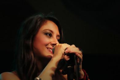 Amelie 2 Live @MEI 2012 390x260 Awards